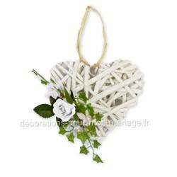 Coeur rotin fleurs blanches