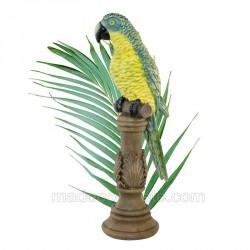 perroquet vert sur perchoir