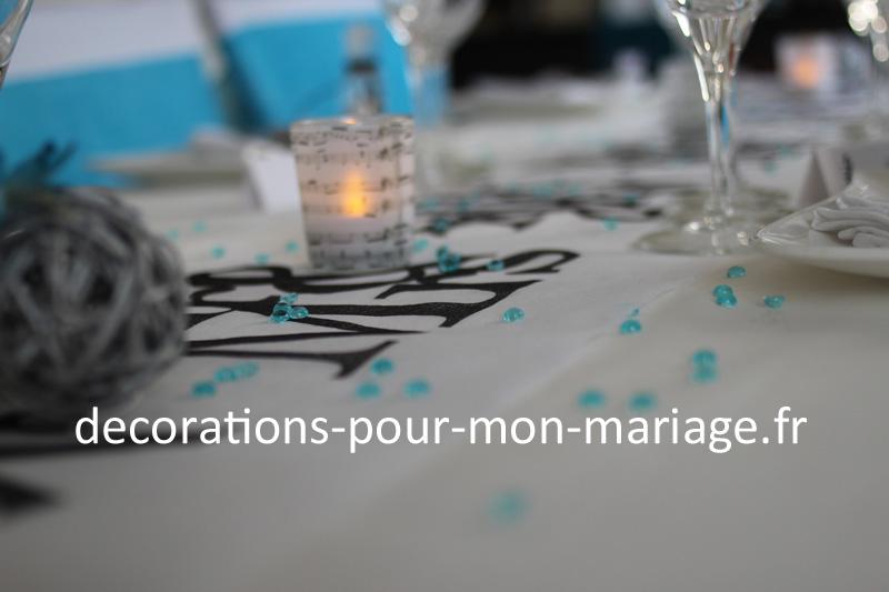 décorations de mariage en noir blanc turquoise