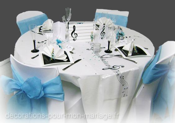 decorations salle de mariage thème sur la musique noir et blanc et turquoise