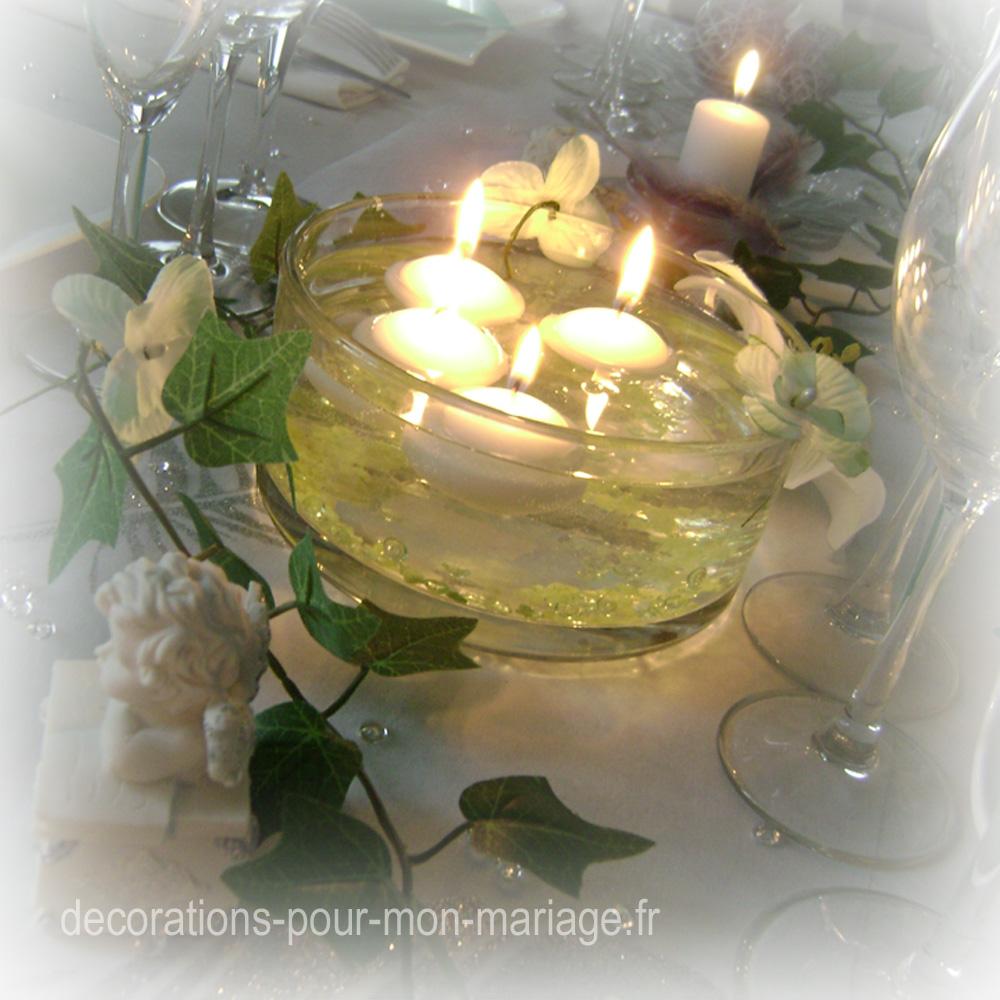 centre de table coupe en verre ronde et bougies flottantes